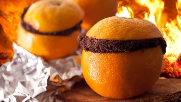 bake-a-cake-inside-an-orange-peel-for-a-tasty-campfire-treat