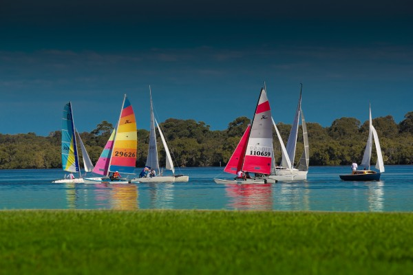 Boats_on_the_Richmond_River_at_Ballina