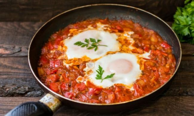 Bake Eggs With Baked Beans